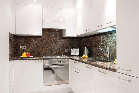 130 Queen's Gate: Three Bedroom Deluxe Kitchen