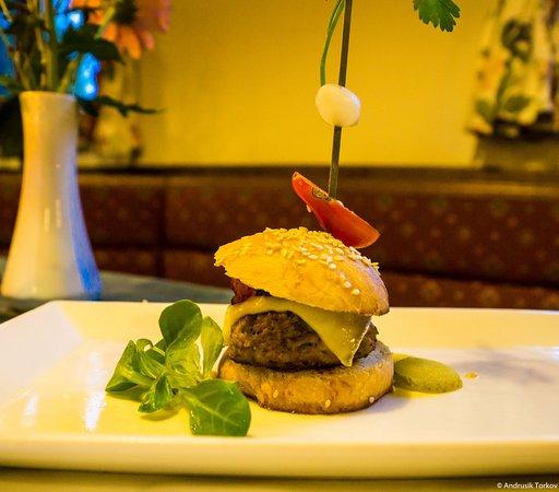 St. Kathrein am Offeneg, Österreich: Mini-Burger zum Abendessen
