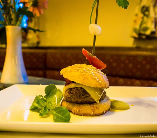 St. Kathrein am Offeneg, Österrike: Mini-Burger zum Abendessen