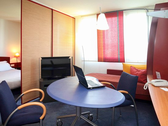 Novotel Suites Nancy Centre Hotel