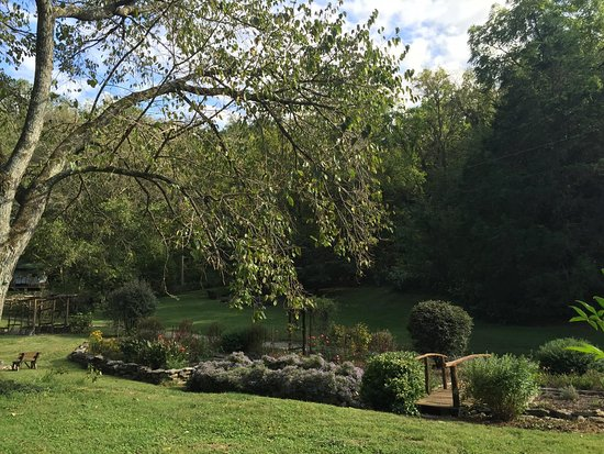 Gordonsville, Τενεσί: view from the side porch