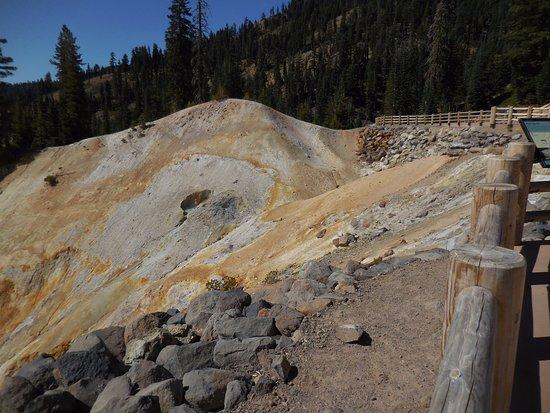 Mineral, Καλιφόρνια: Sulphur Works