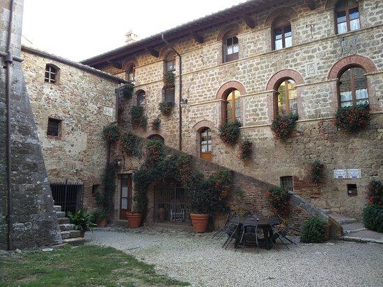 Agriturismi Il Castello La Grancia: IMG_20160924_174609_large.jpg