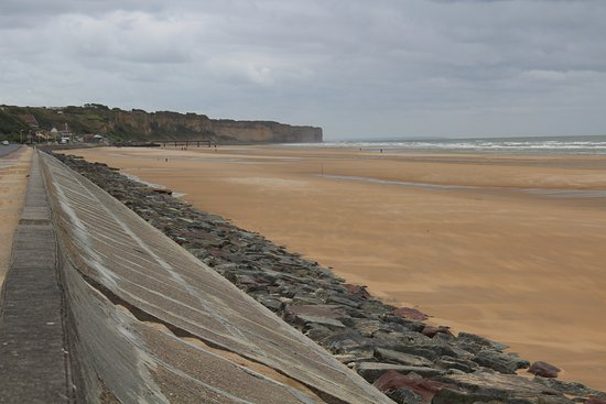 Battle Of Normandy Tours Omaha Beach At Low Tide