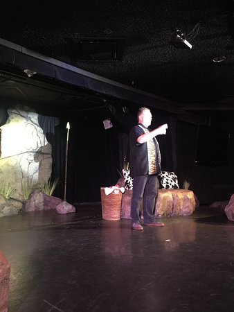 Defending The Caveman : Oct 2016 Stage & Comedian