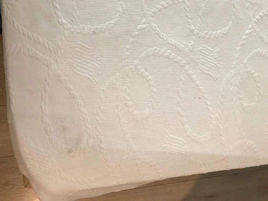 Sea View Hotel: Λερωμένη κουβέρτα