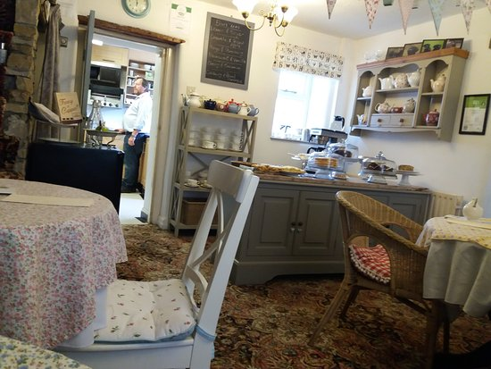 Gargrave, UK: Quaint tea room