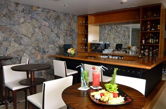 Radisson Hotel Colonia del Sacramento: Lobby Bar