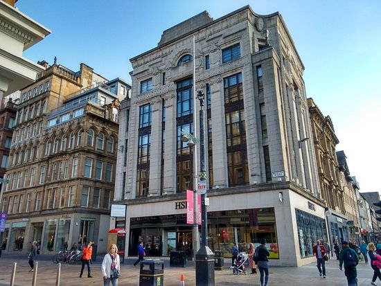 HSBC bank at junction with Argyle Street  - Foto di Buchanan
