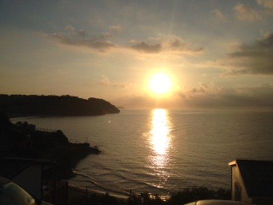 Torre De La Mora: Lever de soleil depuis la terrasse !