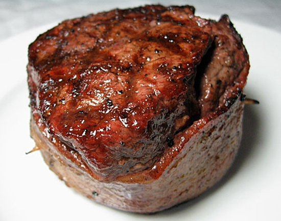 Florence, Kolorado: Bacon wrapped filet mignon!