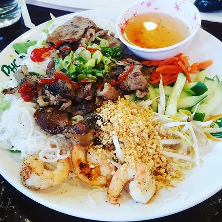 Lacey, WA: Grilled Pork and Shrimp Vermicelli entree