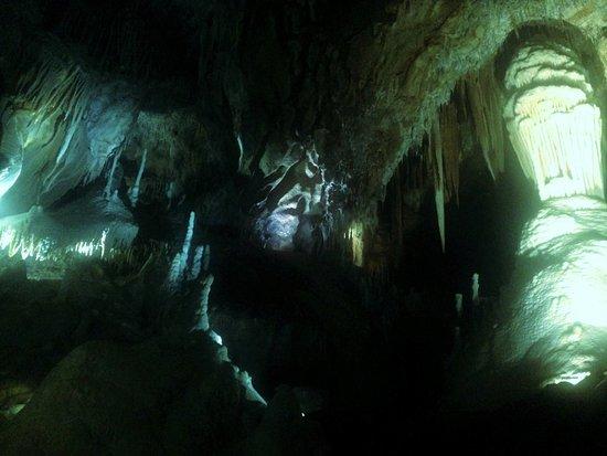 珍罗兰山洞照片
