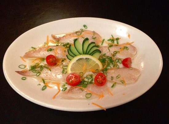 Port Alberni, Canadá: seared snapper sashimi