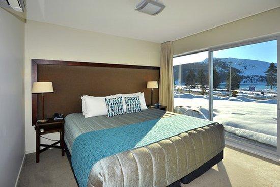 Bedroom Lake View Peppers Bluewater Resort