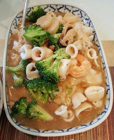 President Thai Restaurant: Seafood Lard Nar