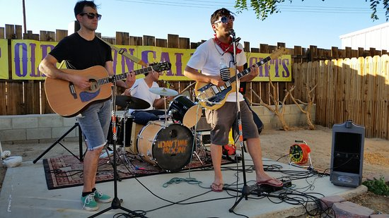 Yucca Valley, CA: Backyard Concerts. Free. All Ages.