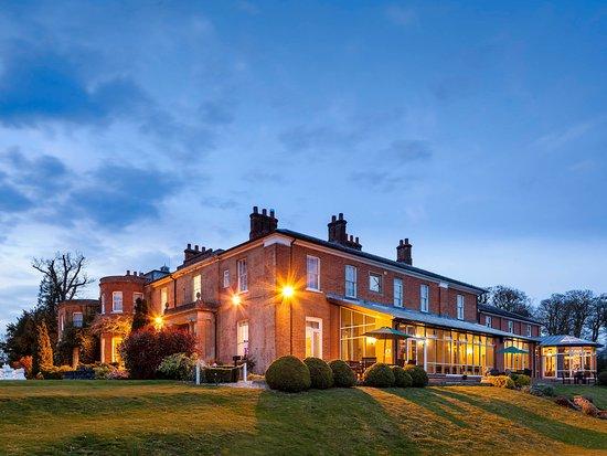 Mercure Newbury Elcot Park Hotel