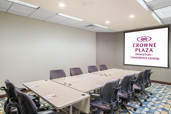 Plainsboro, Нью-Джерси: Board Room