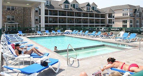 Bayside Hotel of Mackinaw: Pool