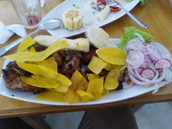 Región Piura, Perú: Costillar de Cerdo