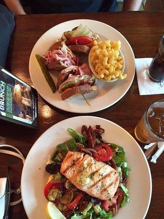 Henry's Restaurant: Salmon Salad & Club w/side