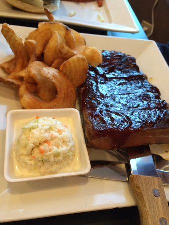 Matamoras, PA: Ribs with sidewinder fries