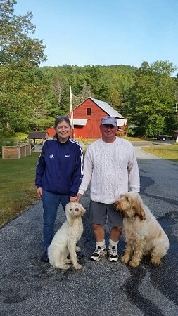Schroon Lake, Nowy Jork: Getting ready to head out on a hike.