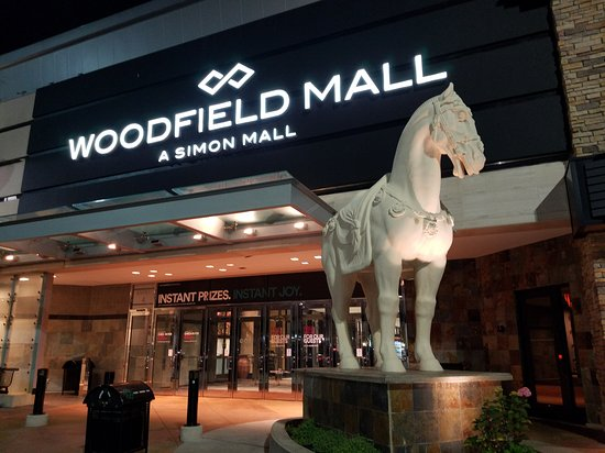 Get directions. Apple Woodfield is located in Woodfield Mall, at the intersection of Interstates & 90 in Schaumburg, level 3 of the Nordstrom wing, across from Hugo litastmaterlo.gqg: entrance 7, between Lord & Taylor and Nordstrom.
