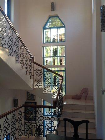 Kaiya House: Stairway