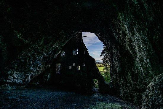Oberriet, Schweiz: bei diesem Bild ist die Grösse des Innenraumes gut zu erkennen - der Ausblick, ein Traum