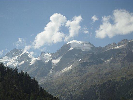 Bernina Pass: Mountain glacier