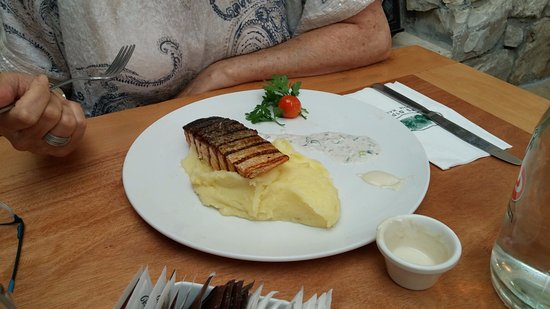 Ra ' anana, Israele: Salmon and mashed potatoes