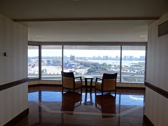 hilton boston logan airport updated 2018 prices reviews. Black Bedroom Furniture Sets. Home Design Ideas