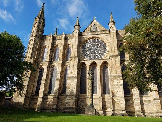 Foto de catedral de durham durham exterior tripadvisor for Catedral de durham interior