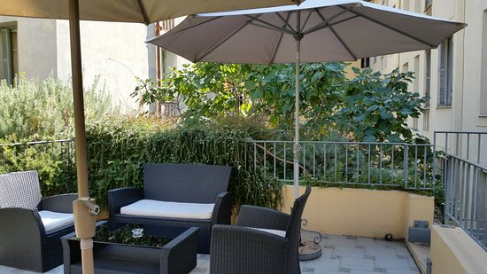 Hotel les Cigales: Terrasse