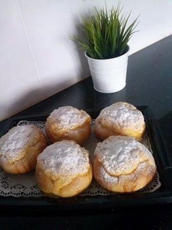 Bretzel Bakery Cakes