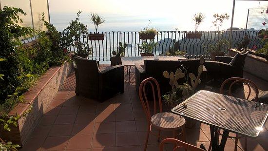 Awesome B&b La Terrazza Sul Mare Taormina Photos - Design Trends ...