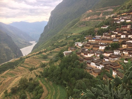 Yulong County, China: photo5.jpg