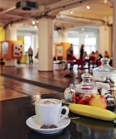 DIALOG Café im Foyer des DIALOG IM DUNKELN - #DIALOGHAUS HAMBURG