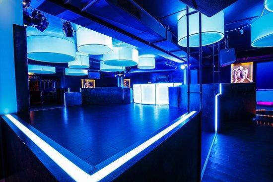 club virage osnabr ck der black vinyl hiphop rnb twerk bild fr n discothek virage. Black Bedroom Furniture Sets. Home Design Ideas