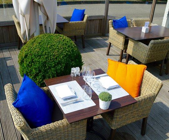 Golden Tulip L'Escaut: Terras restaurant La Vie