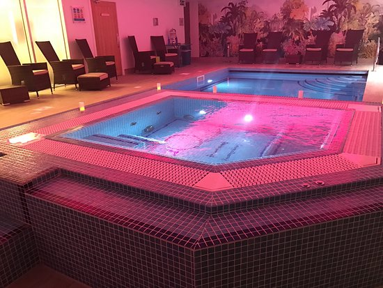 Orsett, UK: Spa pool and jacuzzi