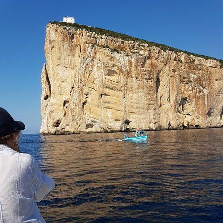 The Andrea Jensen Boat Trip: Wonderful rock formations seen from Andrea Jensen