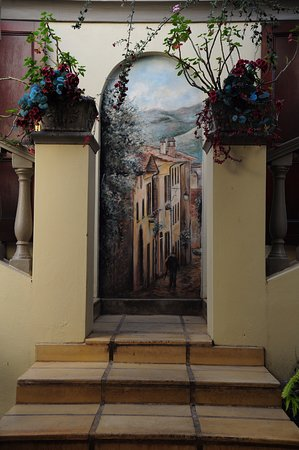 Villa Lugano Guesthouse : Foyer Exit