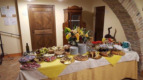 Agriturismi Il Castello La Grancia: Breakfast - Colazione