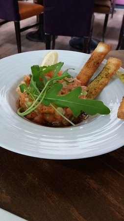 Le Viaduc Cafe : Tartare de saumon