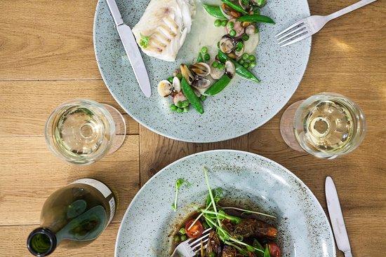 why thai food wine okoa w zielonym curry i krewetki tygrysie w miodzie pitnym
