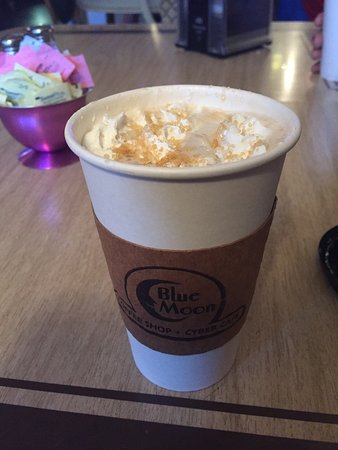 Blue Moon Coffee Shop: photo0.jpg