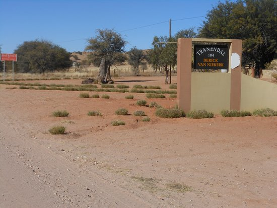Red Dune Camp: Entry of the farm